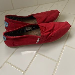 Toms Canvas Classic Red Women's 9.5